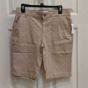Old Navy Women's Plus Size 16 Bermuda Shorts NWT